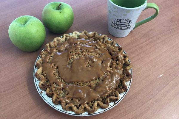 Caramel Apple Pie from the Right Slice